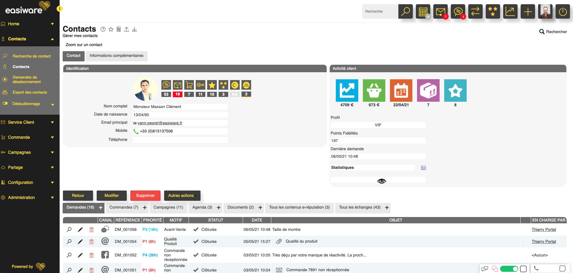 Fiche client 360 native avec profil client enrichi