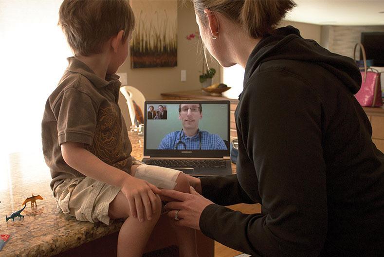 Téléconsultation avec un enfant